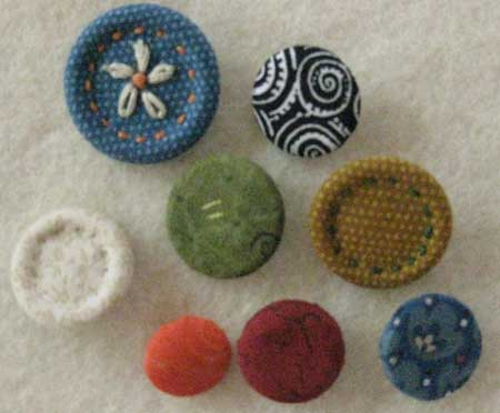 Sewing tutorial: how to use dritz cover buttons for sewing projects.